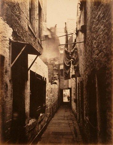 Slum in Glasgow um 1871